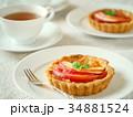紅玉りんごのタルトと紅茶のティータイム (横位置) 34881524