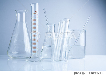 Laboratory glassware on table, Symbolic of scienceの写真素材 [34899719] - PIXTA