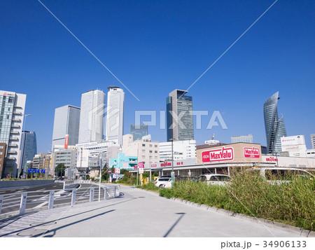 名古屋駅ビル群とマックスバリュ太閤店 34906133