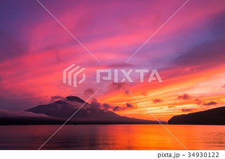 富士山 夕焼け 台風一過 山中湖 34930122