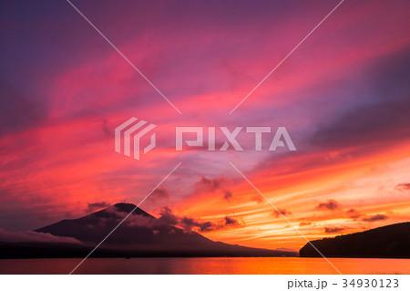 富士山 夕焼け 台風一過 山中湖 34930123
