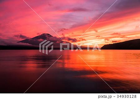 富士山 夕焼け 台風一過 山中湖 34930128