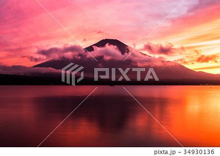 富士山 夕焼け 台風一過 山中湖 34930136