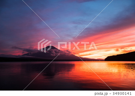 富士山 夕焼け 台風一過 山中湖 34930141