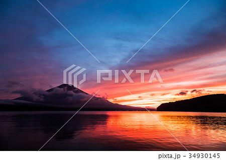 富士山 夕焼け 台風一過 山中湖 34930145