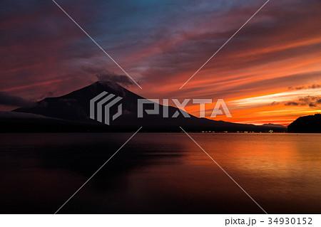 富士山 夕焼け 台風一過 山中湖 34930152
