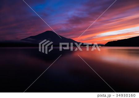 富士山 夕焼け 台風一過 山中湖 34930160