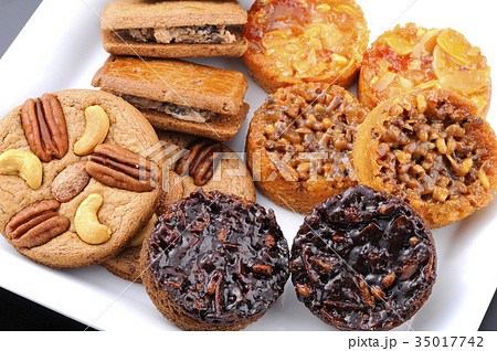 焼き菓子盛り合わせの写真素材 [35017742] - PIXTA
