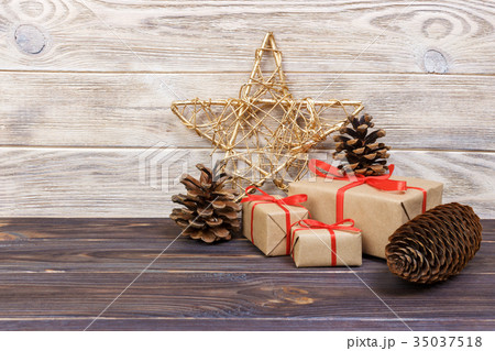 Christmas background with Christmas gift and starの写真素材 [35037518] - PIXTA