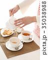 紅茶を出す 35038988