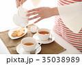 紅茶を出す 35038989
