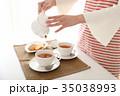 紅茶を出す 35038993