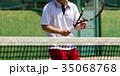 テニスをする男性 35068768