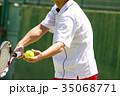 テニスをする男性 35068771