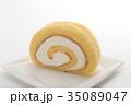 ロールケーキ 洋菓子 焼き菓子の写真 35089047