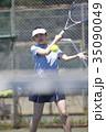 テニスをする女性 35090049