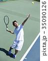 テニスをする男性 35090126