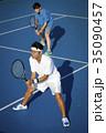 テニスをする男性 ダブルス 35090457