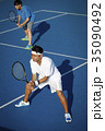 テニスをする男性 ダブルス 35090492