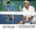 テニスをする男性 ダブルス 35090499
