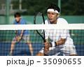 テニスをする男性 ダブルス 35090655