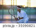 テニスをする男性 35090821