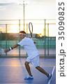 テニスをする男性 35090825