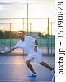 テニスをする男性 35090828