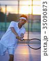 テニスをする男性 35090873