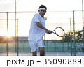 テニスをする男性 35090889