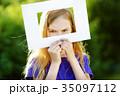 フレーム 子供 女の子の写真 35097112
