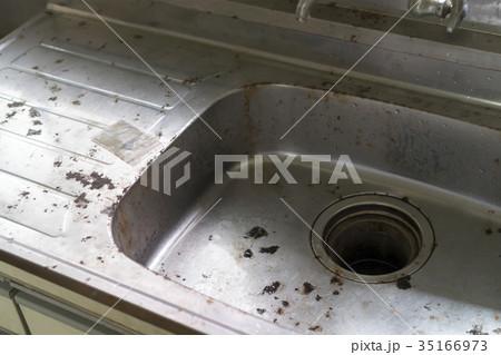 住宅ビフォーアフター用 リフォーム 建て替え前 事例写真 キッチン シンク クローズアップ 35166973