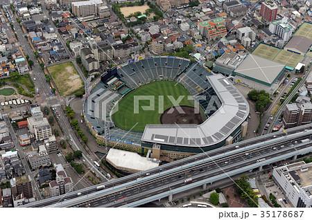 阪神甲子園球場を空撮 35178687