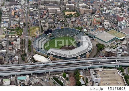 阪神甲子園球場を空撮 35178693