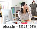 仕事をするファッションデザイナー 35184950
