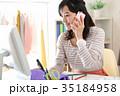 仕事をするファッションデザイナー 35184958