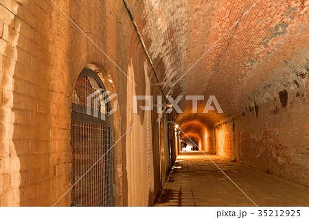 猿島のトンネル 35212925