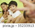 体操教室 体育座り 子供 ポートレート 35233913