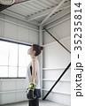 ボクシングをする女性 35235814