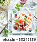 ワッフル ベルギーワッフル デザートの写真 35242859