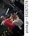 トレーニング ワークアウト 女性の写真 35267278