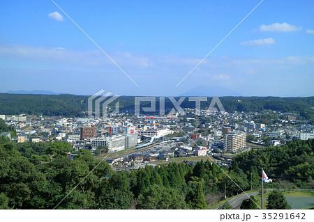 城山公園(一宇治城跡)から見る日置市の街並み 35291642