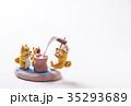 お正月イメージ 年賀状素材 戌年 柴犬 ポストカード 35293689