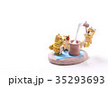 お正月イメージ 年賀状素材 戌年 柴犬 ポストカード 35293693