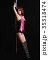 ポールダンスでポージングする日本人の女性 35318474