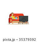 ソファー 女性 ベクトルのイラスト 35379392