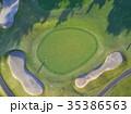 ゴルフをする女性 35386563