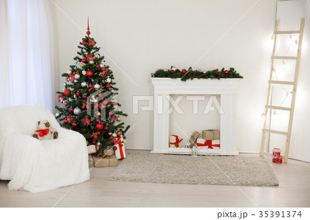 room decorated for the Christmas holidays new yearの写真素材 [35391374] - PIXTA