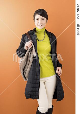 アラフォーの日本人女性 35419642