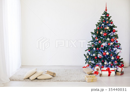 Christmas tree in the White Hall at Christmasの写真素材 [35440031] - PIXTA